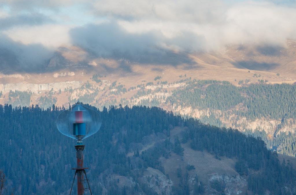 Ветряной генератор на Кавказе